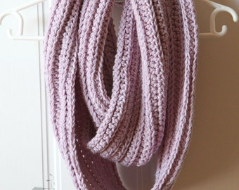 Merino wool crochet infinity woman scarf, crochet scarf, merino wool scarf, winter scarf, winter fashion, lilac scarf, made to order
