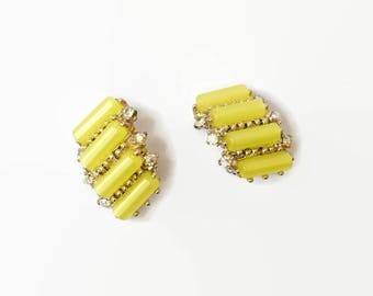 Vintage '50s Clip On Earrings Lemon Yellow Moonglow Lucite Tube Bead & Aurora Borealis Rhinestone Earrings
