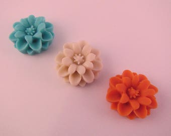 Small Zinnia Flower Lapel Pin - Wedding / Formals / Everyday