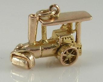 Vintage Mechanical 3D 9ct Gold Steam Roller Charm.H/MK 1958