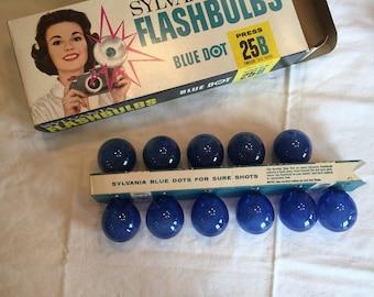 Vintage Sylvania Flashbulbs , Blue Dot 25B, 11 Bulbs