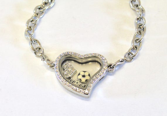 Soccer Mom Floating Charm Bracelet, Gift For Mom, Gift For Her, Soccer Bracelet, Soccer Gift, Girlfriend Gift, Soccerr Jewelry Gift for Wife