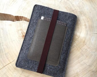 Cover for iPad from wool felt & vegan leather, Brown