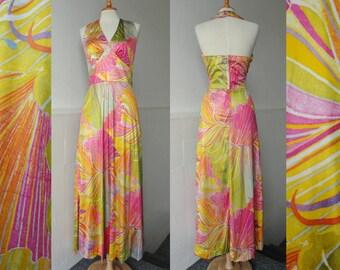 Colorful 70s Vtg Maxi Halterneck Dress