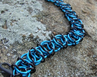 Chainmaille celtic weave bracelet