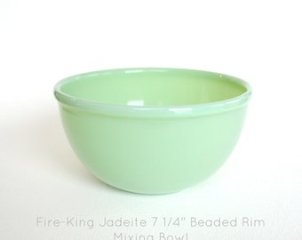 "Fire-King Jadeite 7 1/4"" Beaded Rim Mixing Bowl #0039"