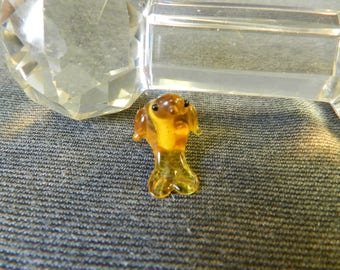 Single Translucent Amber/ Yellow Sitting Bird Lampwork Glass Bead - 10mm - Handmade - Parrot, Chicken, Dolphin