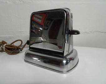 Vintage Montgomery Ward Flip Down 2 Slice Electric Toaster - FREE SHIPPING
