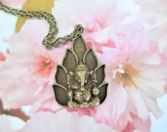 Ganesha Necklace, Ganesha Amulet Necklace, Ganesha Amulet Pendant, Hindu God Necklace, Hindu God Pendant