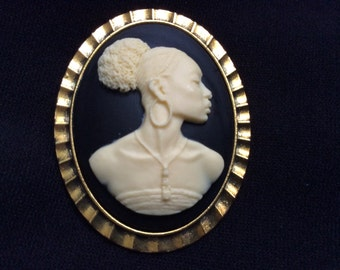 A Beautiful Cameo African American Brooch, Jewelry Supply.