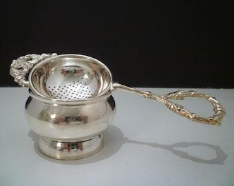 TEA STRAINER. Vintage Style Tea Strainer. Elegant English Style  Silverplate Teastrainer. Teatable Accoutrement.
