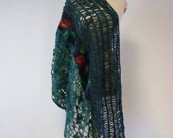 Exceptional green felted shawl, perfect for gift.