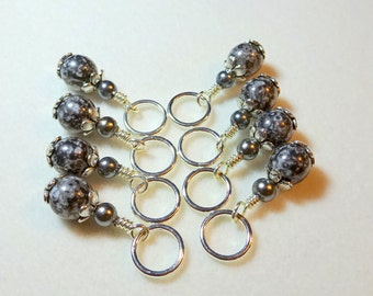 Snag Free Stitch Markers in Grey and Black (Set of 8)   (E0041)