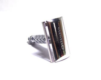 Vintage 1975 Gillette Travel Razor - Made In England - Date Code V1