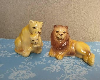 Vintage Lions Salt and Pepper Shakers Five And Dime Lion Family