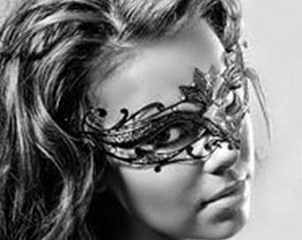 Elegant Black Minimalist Macrame Lace Mask - Black Lace Masquerade Mask , Brocade Lace, Lace Mask for Masquerade Ball