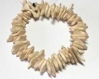 """Medium Coconut Wood Chips, Coco Chip Cream, Coconut Shell, Natural Wood Beads 7"""" strand"""