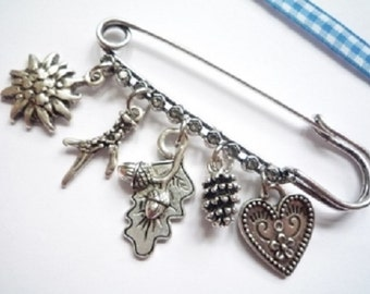 Costume brooch, kilt pin with 5 trailers, 7 cm