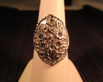 Cool Vintage Sterling Silver Flower Ring - 9