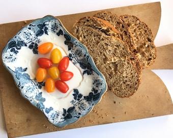 Beautiful vintage wooden breadboard - platter