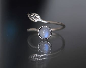 Moonstone ring. Rainbow moonstone rings. Gift-for-woman. June birthstone. Moonstone ring gift. Boho moonstone ring. christmas gifts for her