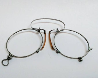 Antique pince nez spring glasses frame