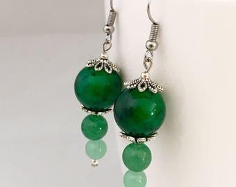 Green dangle earrings, green earrings, earrings green, green bead earrings, green drop earrings, green beaded earrings