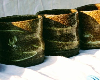 Set of 5 stoneware small cups.