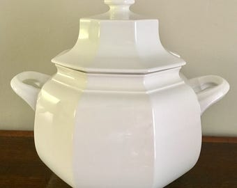This crisp and clean octagonal white soup tureen is pattern F3000 Continental White by Mikasa (1980-1993)