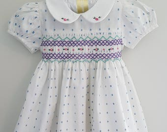 Gorgeous Vintage Hand Smocked Dress in white - Size 1