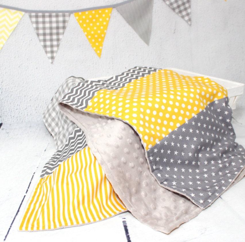couverture b b minky plaid b b cadeau naissance jaune. Black Bedroom Furniture Sets. Home Design Ideas