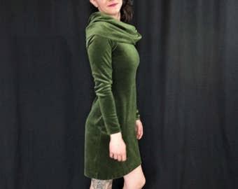 Green Velvet NORMA KAMALI Exaggerated Turtleneck Mini Dress/ Long Sleeve Velvet Mini Dress with Turtleneck/ Vintage Norma Kamali Green Dress