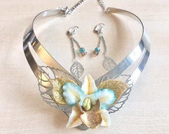 Necklace turquoise, silver and bronze with orchid and leaves in cold porcelain, assorted earrings