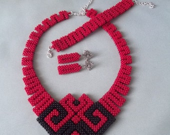 Geometric Beadwoven, geometric necklace, Bead necklace, Red and Black jewelry, beadwork, handmade necklace, Set beaded jewelry