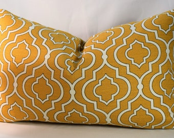 "Sulfur and White Morrocan Pillow Cover,Grass Weave with Screen Print, Fully Lined and Zippered, Accent Pillow, Size 14"" x 22"", EleeGant"