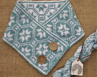 Norwegian Cowl/Scarf in Blue/White