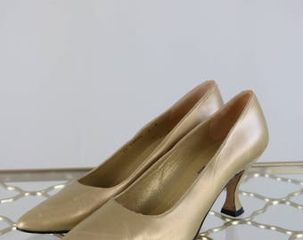 "1990s Gold Pumps - Metallic Gold Leather Pumps - Bravo By Browns Made in Spain - Elegant Timeless Feminine - Size 7 Low 2.5"" Heel"