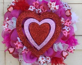 Valentine wreath,Valentines Day heart wreath,Heart wreath,Valentine decor,Pink wreath,Valentine feather wreath,Valentines Day wreath,