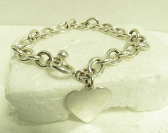 Vintage Sterling Silver Chain Link Heart Charm Bracelet w/ Toggle Clasp.