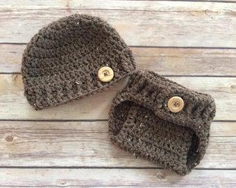 Newborn Crochet hat and diaper cover set - newborn photo prop - 0 to 3 months - crochet photo prop - beanie - boy set - wooden button