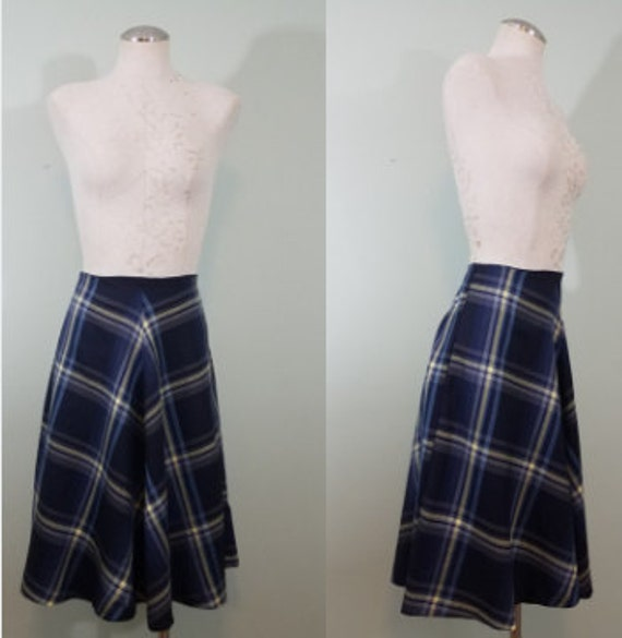 1990s does 1950s Swing Skirt / Holiday Blues Midi / Plaid, High Waisted, Full Skirt / Modern Size Small