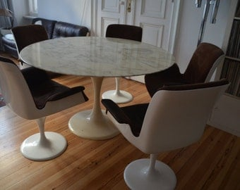 Original 1960s/1970s dining set: Marble table and 5 chairs
