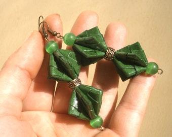 Origami bowtie, Bowtie earrings, Bowtie paper earrings, pine green earrings, Boho paper earrings, cat eye earrings, Mother's day gift