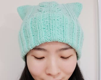 Cable Cat Beanie in Mint - Double Brim