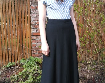 1940s simple classic black rayon gored maxi skirt // medium or large