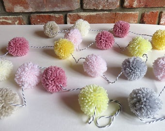 Pom Pom Garland - Spring decoration - Easter ornament - Pom pom gift