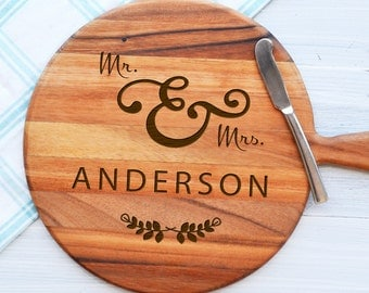Personalised Mr & Mrs Wreath Paddleboard - Wedding Anniversary Engagement Gift