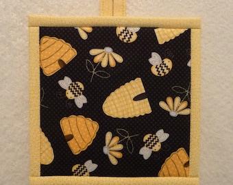 Honey Bee Pot Holder, Honeybee Hot Pad