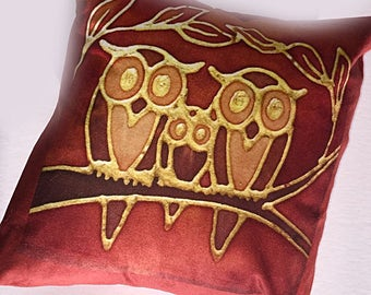 Cute Owl Family Cushion - Rust & Brown Square Settee Cushion - Decorative Throw Pillow - Statement Pillow for Owl Lover Gift - Bedroom Decor
