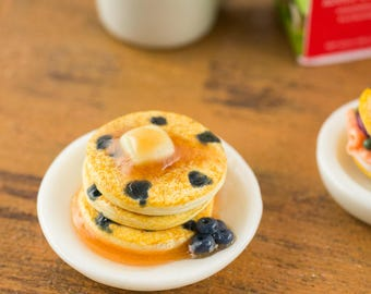 Blueberry Pancakes Stack with Syrup - 1:12 Dollhouse Miniature